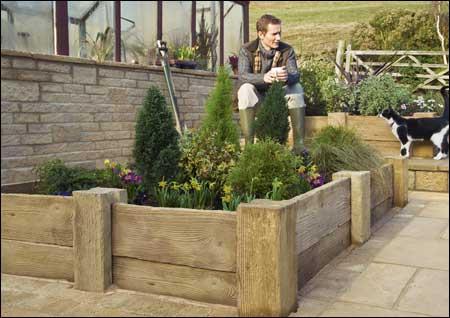 Woodstone-planter